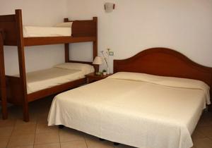 family-hotel-leanfore-villasimius14-300x210